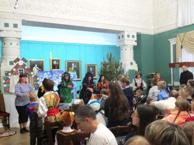 27 декабря  2019 года в Картинной галерее им. К.А. Савицкого состоялось новогоднее представление для детей энергетиков.